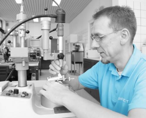Jörg Wilke, Laborleiter, Kombitechniker